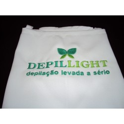 Avental com logotipo DEPILLIGHT bordado